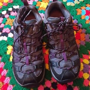 Merrell waterproof hiking shoes size 9